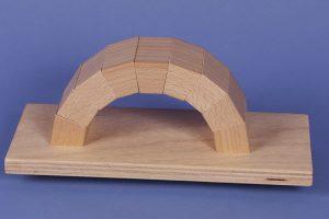 Bogenbrücke für den Schulunterricht